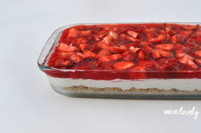 Amazing strawberry pretzel salad dessert