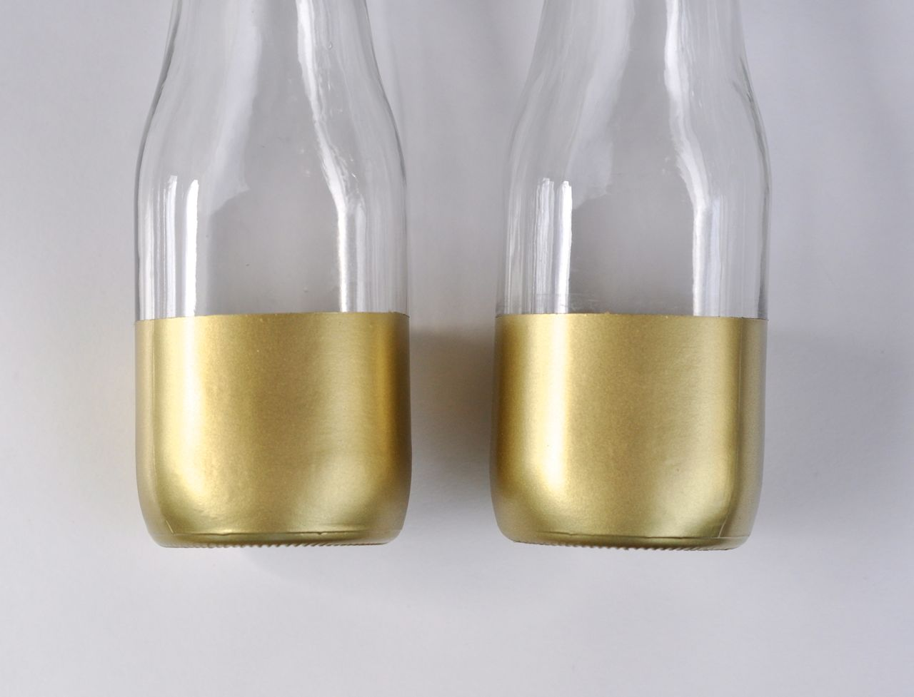 Diy gold dipped vases giveaway make life lovely diy gold dipped vase diy gold dipped vase reviewsmspy