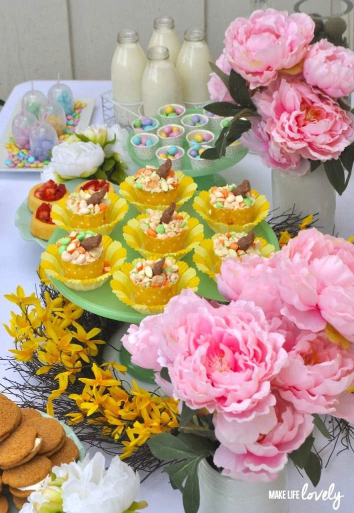 Easter table ideas + carrot cake cupcakes