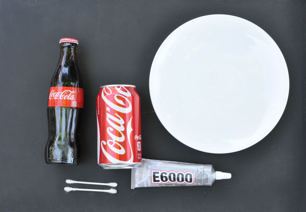 DIY soda bottle cake stand