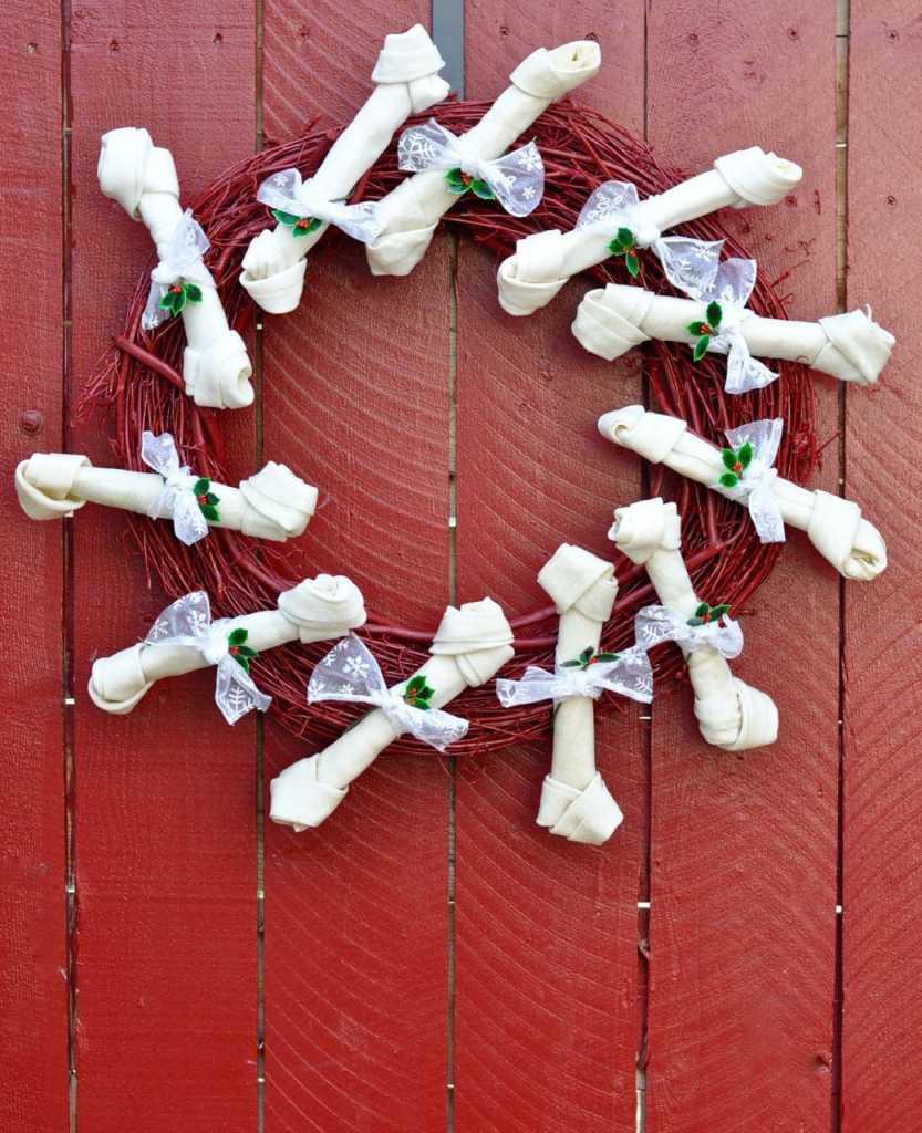 DIY dog bone wreath