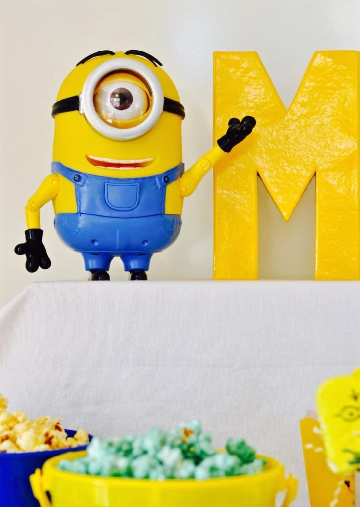 minions party diy minions paper lanterns make life lovely. Black Bedroom Furniture Sets. Home Design Ideas