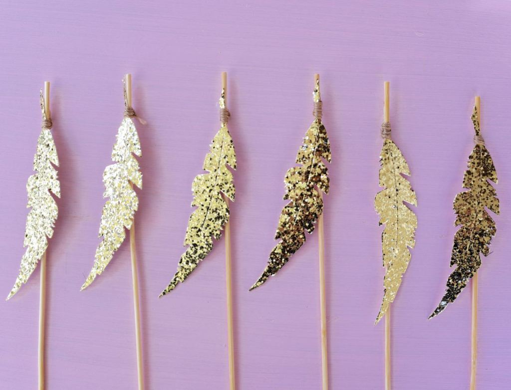 DIY gold feather cupcake toppers