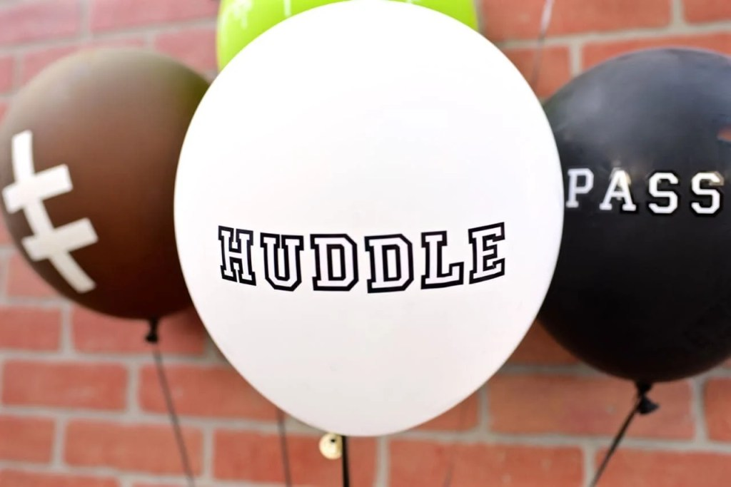 DIY Football Balloons for college football viewing party
