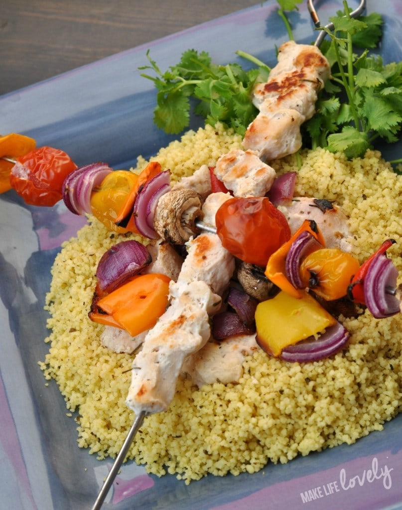 Grilled Greek chiciken shish kabobs recipe with yogurt marinade. Yum!