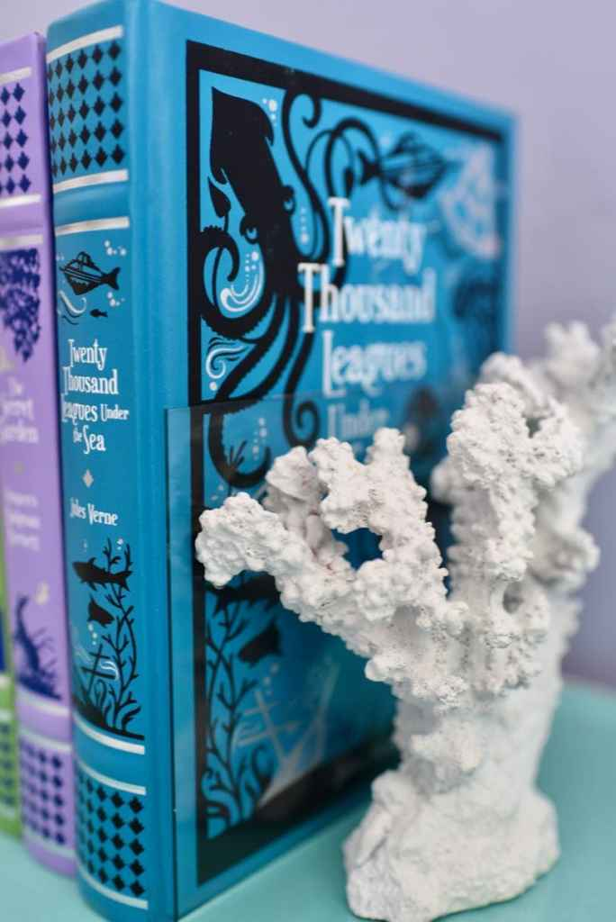How to make DIY bookends from faux coral