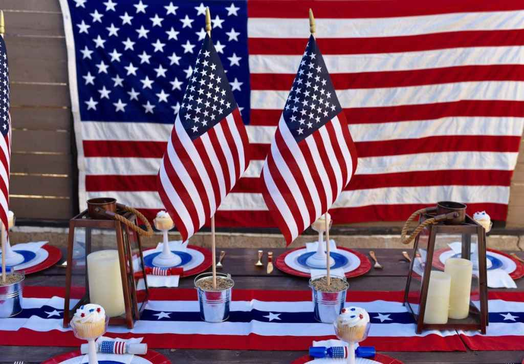 4th of July table setting, perfect for a Fourth
