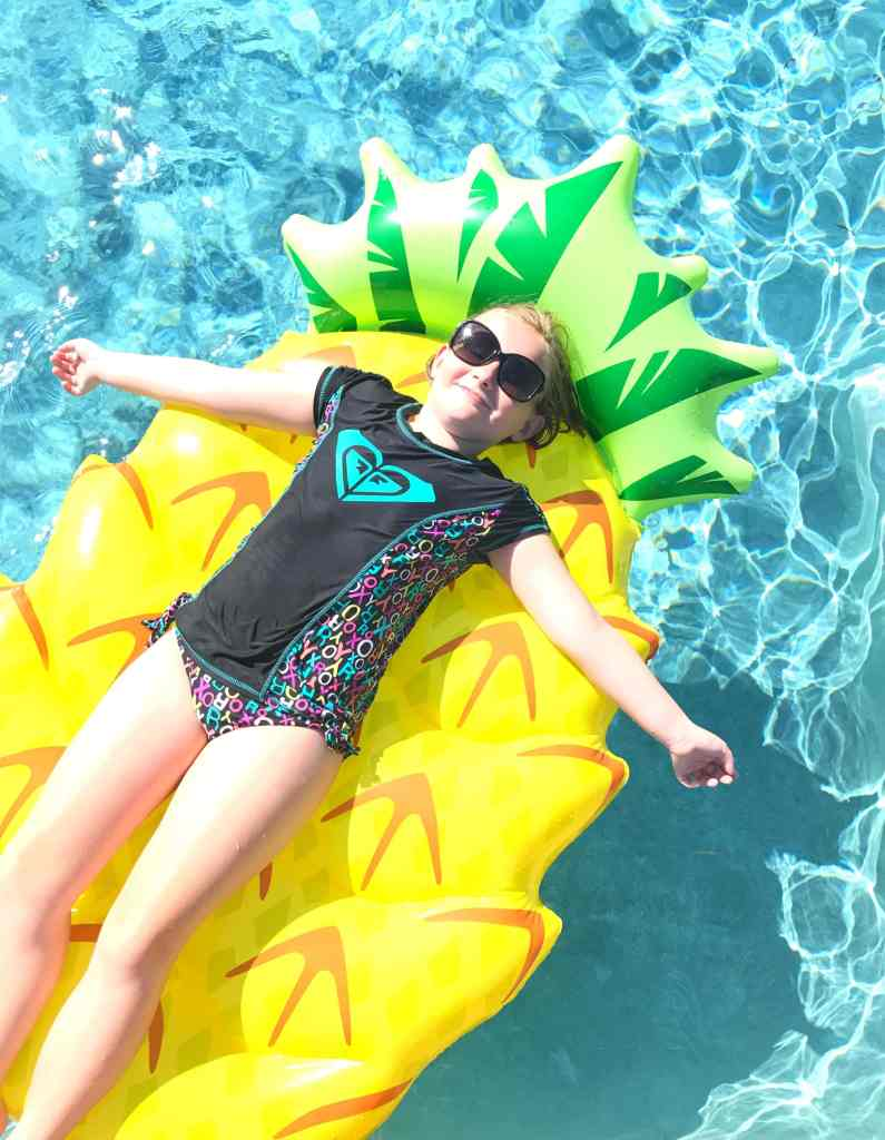 Best pool floats pineapple