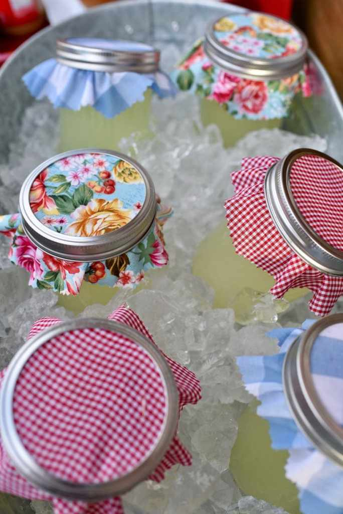 Mason jar lemonade at county fair party