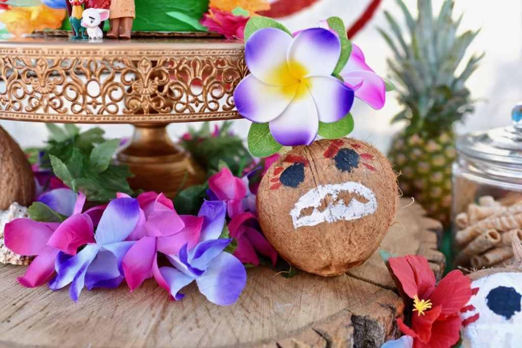 Moana birthday party DIY kakamora coconuts