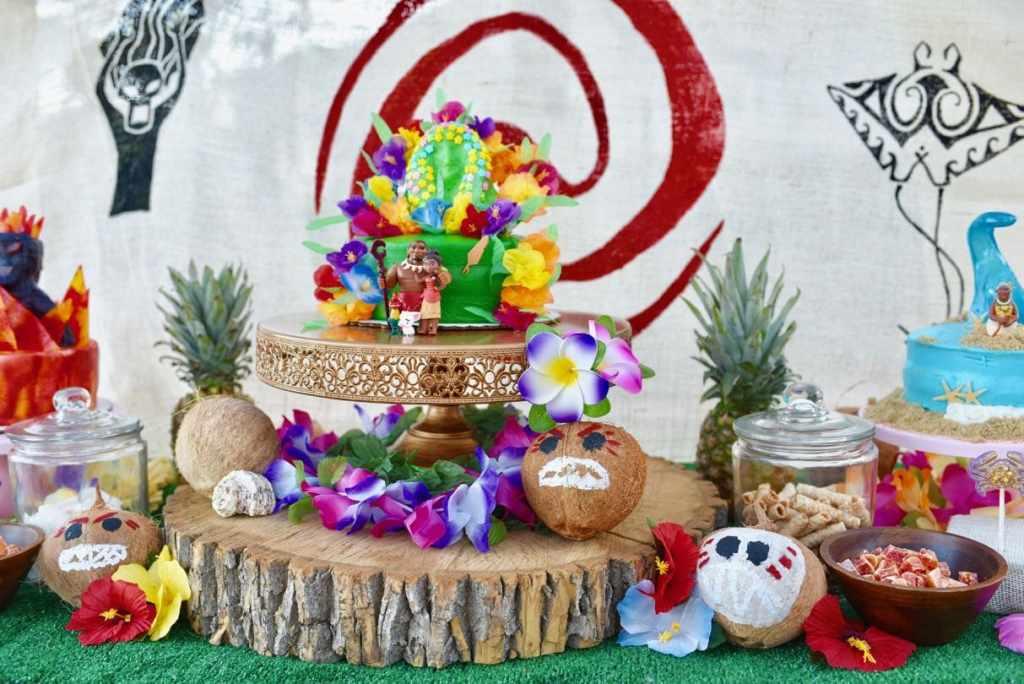 Moana birthday party cake and food ideas