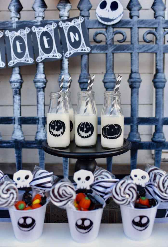 Nightmare Before ChristmasHalloween party milk bottles with Cricut Maker