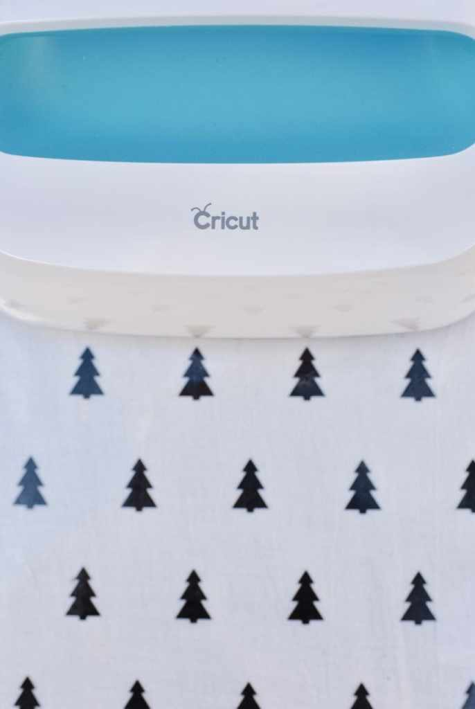 Cricut EasyPress Machine tutorial for hot cocoa gift basket