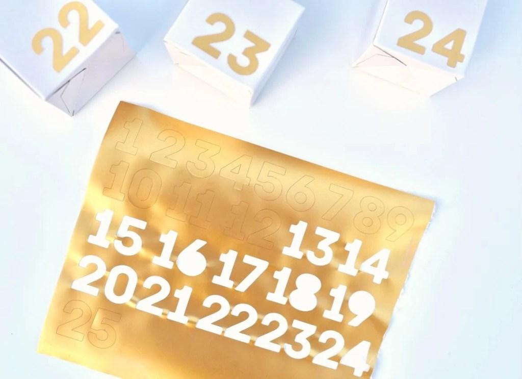 Advent calendar boxes tutorial with Cricut