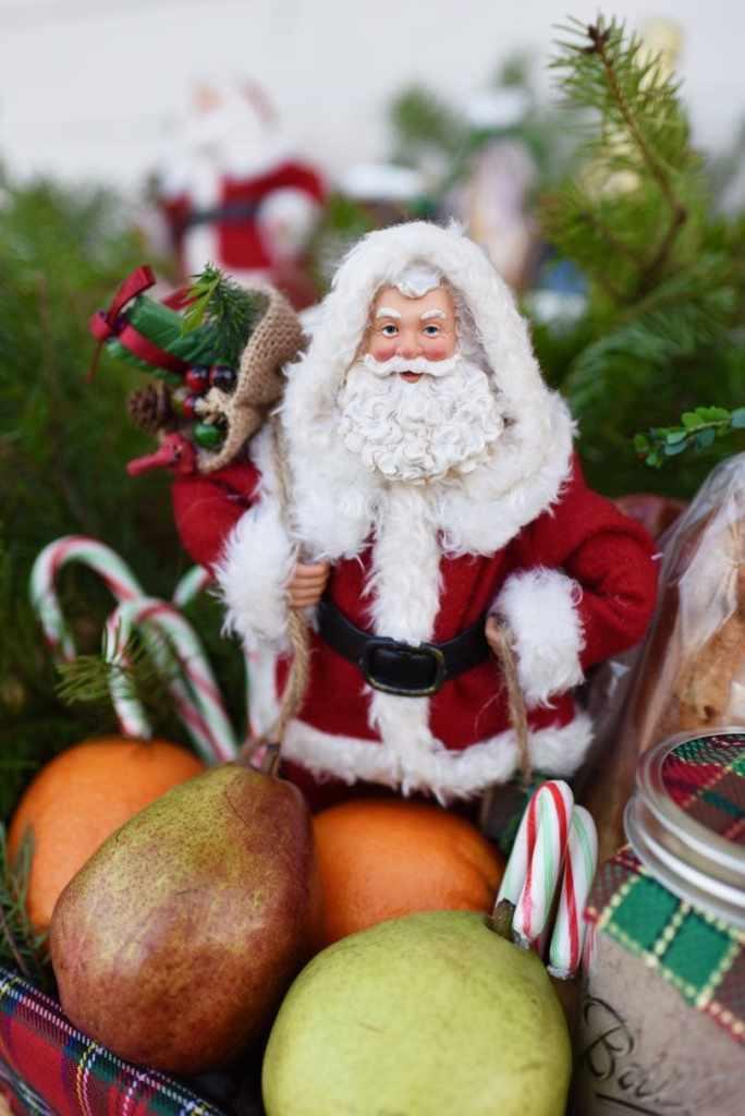 Christmas gift baskets tutorial