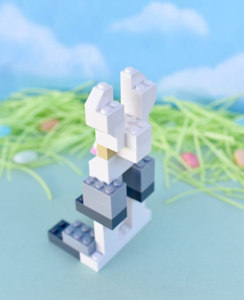 How to make a LEGO bunny for Easter