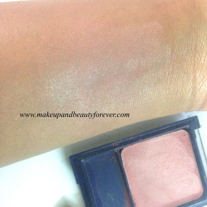 MaxFactor Flawless Perfection Blush 223 Natural Glow Review swatch 3