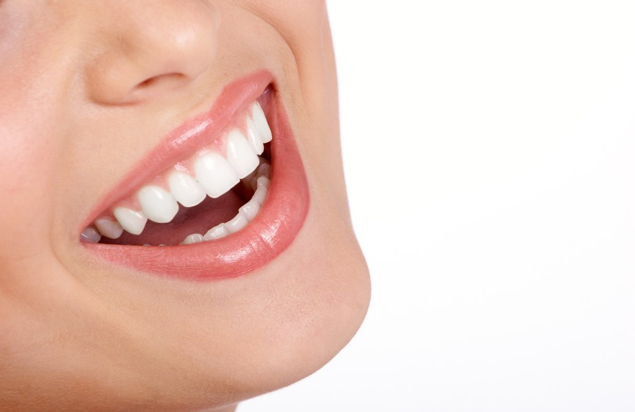 Smile Makeover By Cosmetic Dentistry 1