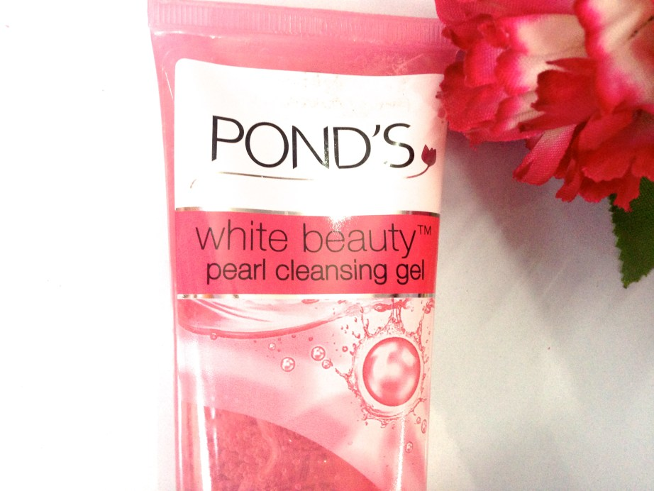 Ponds White Beauty Pearl Cleansing Gel Review 3