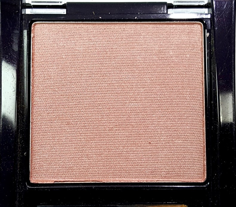 Maybelline Fit Me Blush Medium Nude 208 Review Swatches close up 1