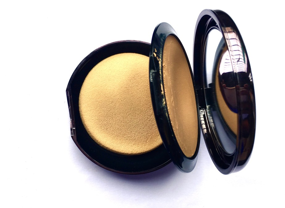Lakme Absolute Creme Compact Review Swatches mbf