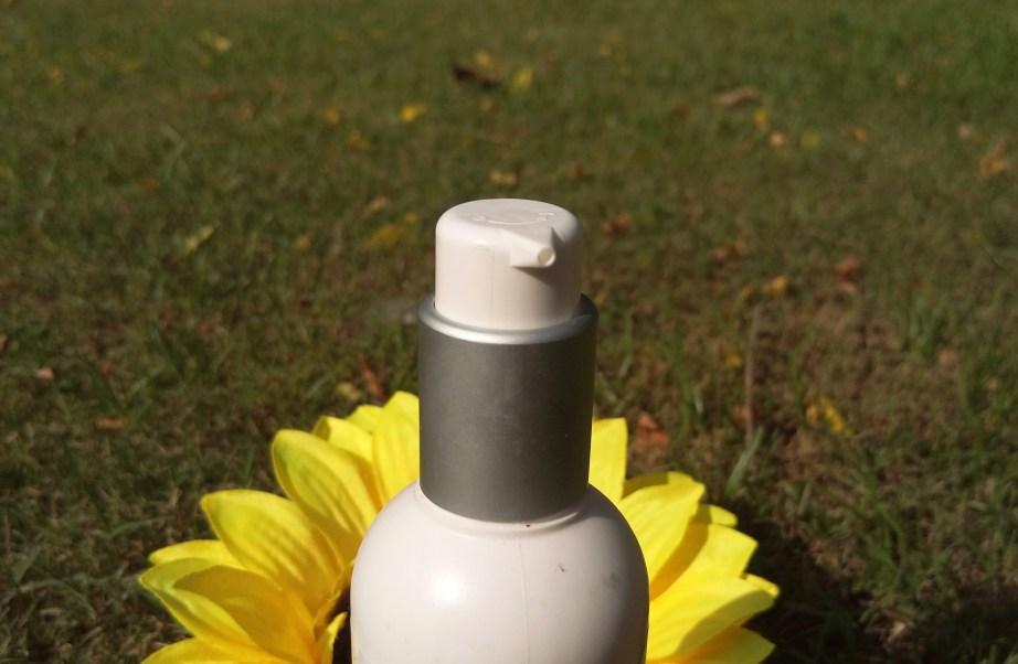 Kaya Revitalizing Tonic Skin Toner Review pump dispenser