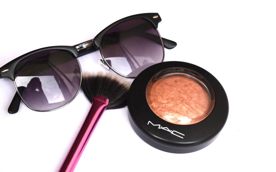 MAC Cheeky Bronze Mineralize Skinfinish Highlighter Review Swatches MBF