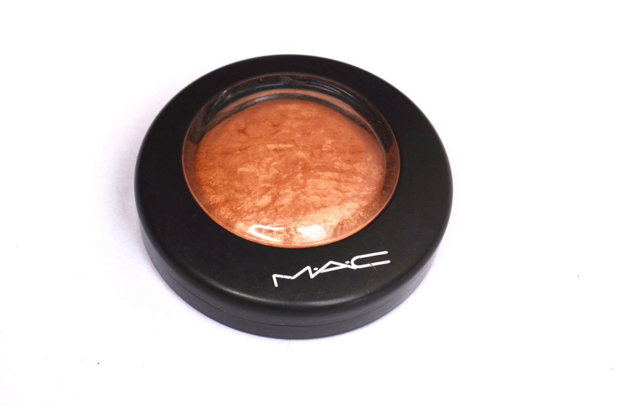MAC Cheeky Bronze Mineralize Skinfinish Highlighter Review