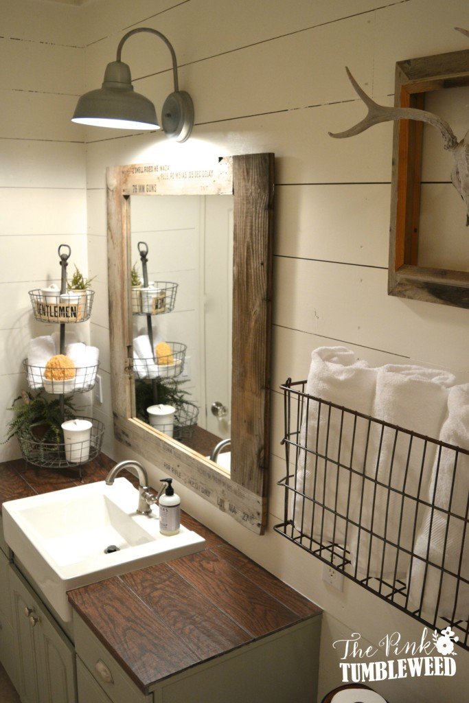 15 Farmhouse Style Bathrooms full of Rustic Charm - making it in the ...