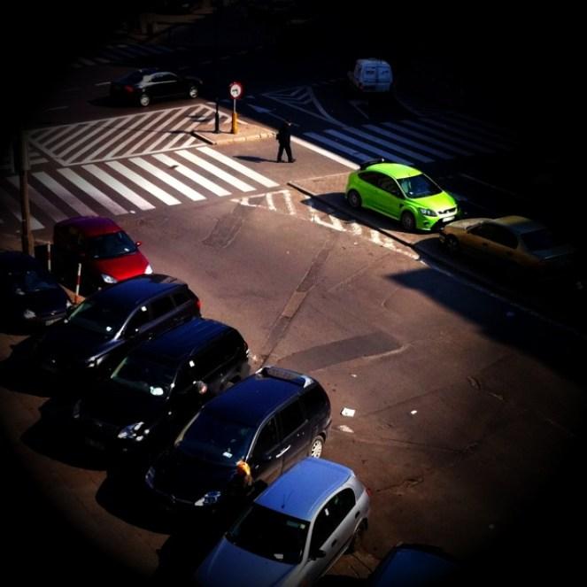 Kolor wśród szarości ulicy