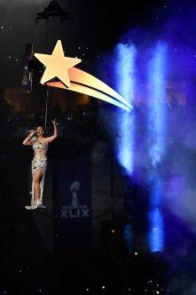Katy-Perry-Super-Bowl-2015-18