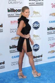 Kesha-a-la-ceremonie-des-Billboard-Music-Awards-a-Las-Vegas-le-19-mai-2013_portrait_w674