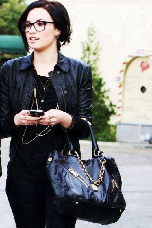 Demi-Lovato-13