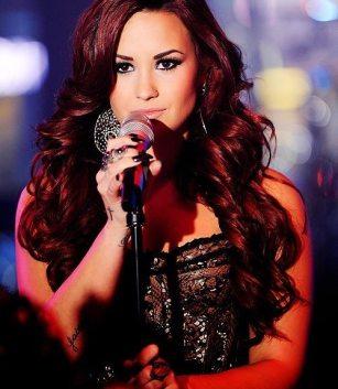 Demi-Lovato-25