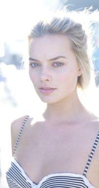 Margot-Robbie-new-photos-2014-28