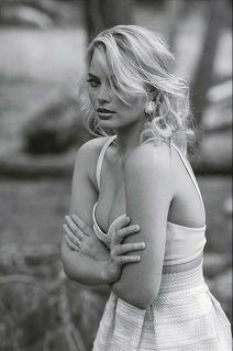 Margot-Robbie-new-photos-2014-34