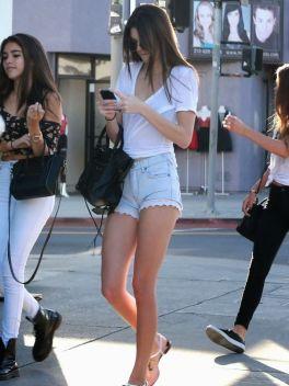 Kendall-Jenner-2015-10