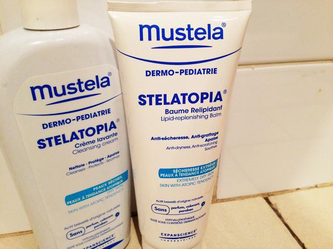 Leur baume relipidant Stelatopia de Mustela