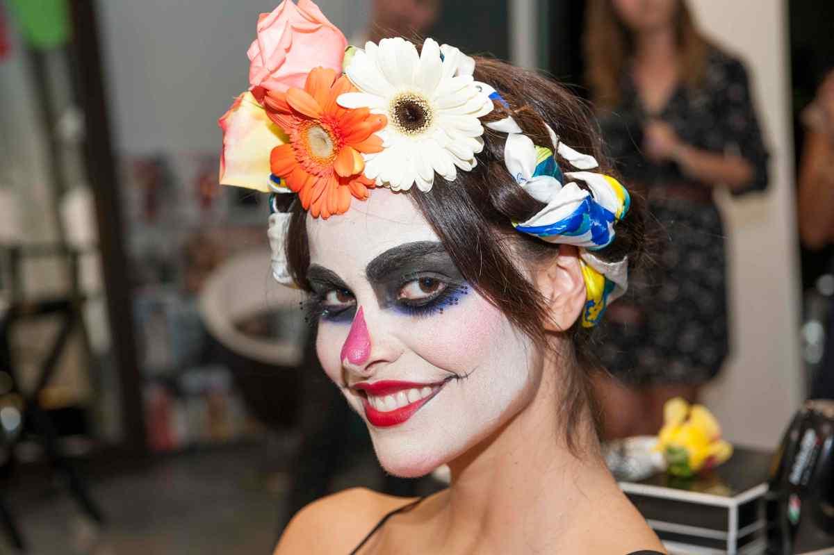 """En el Día de Muertos Convierte tu Look en una Glamorosa """"Catrina"""" #DIY #SilkyHairDare #MujerDove"""