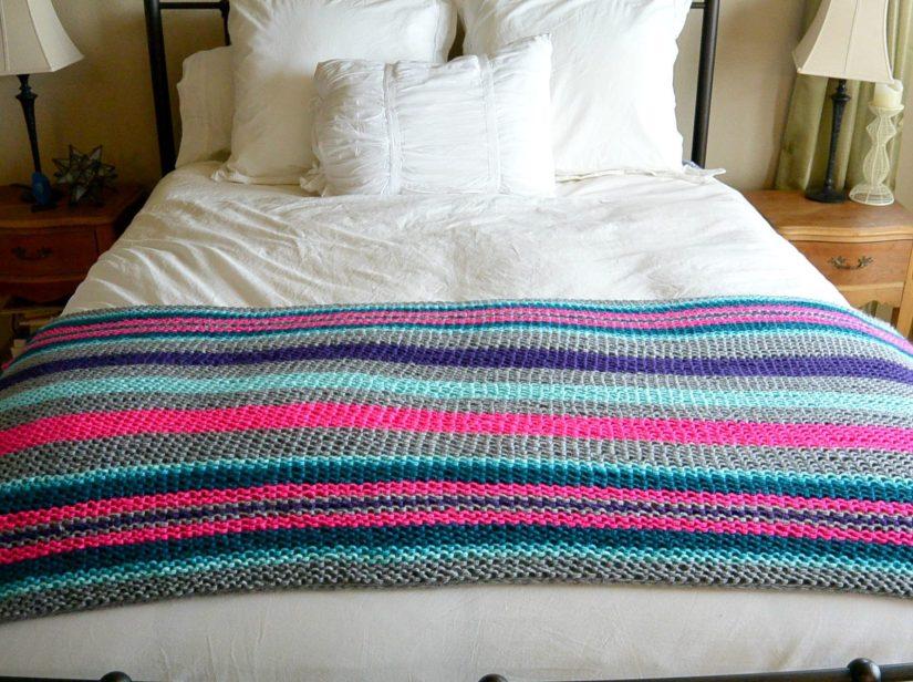 Easy Native Stripes Knit Blanket / Throw