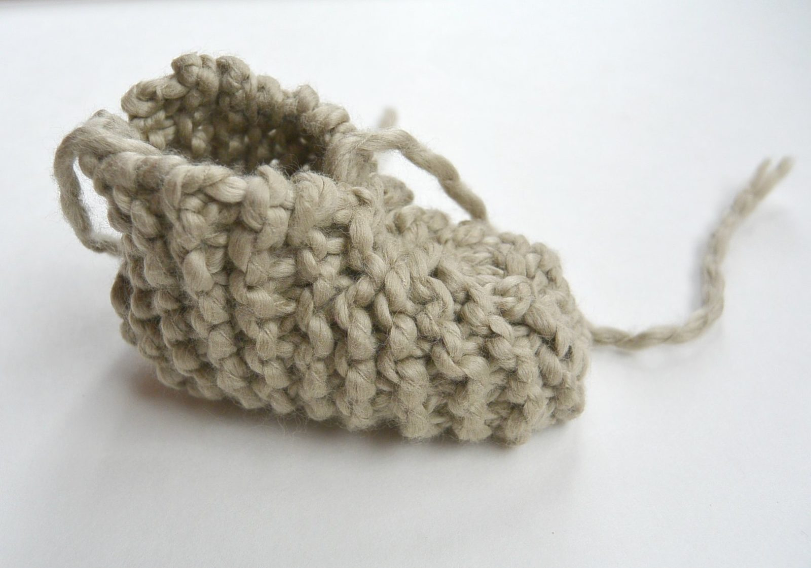 Knitting Patterns For Baby Booties Beginner : Beginner Knit Baby Booties ?Moccasins?