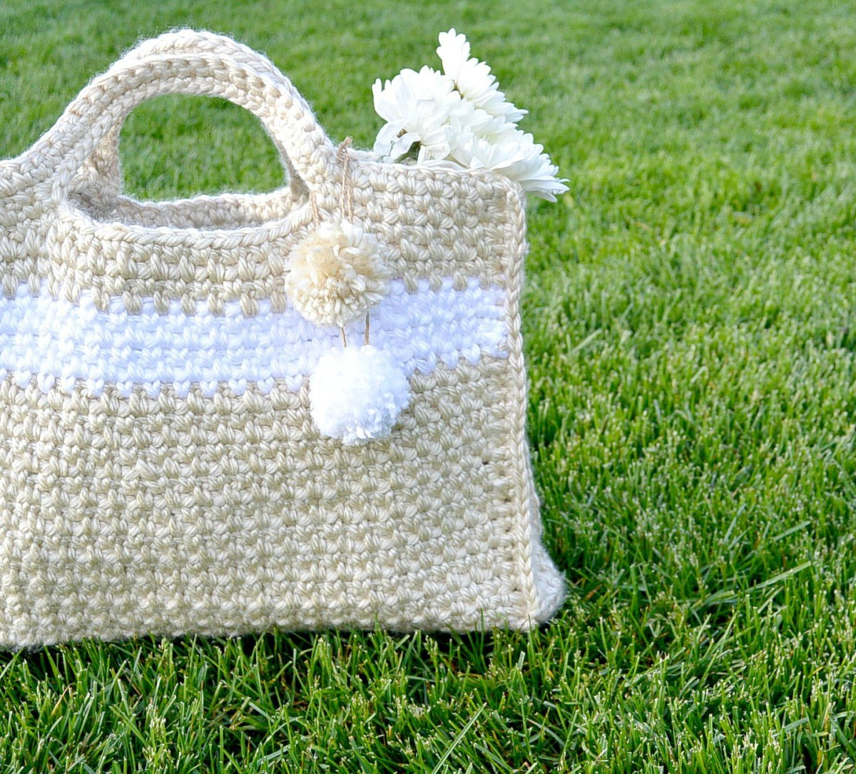 Easy Crochet Tote Bag Pattern : Big Easy (and stylish) Crochet Bag Pattern