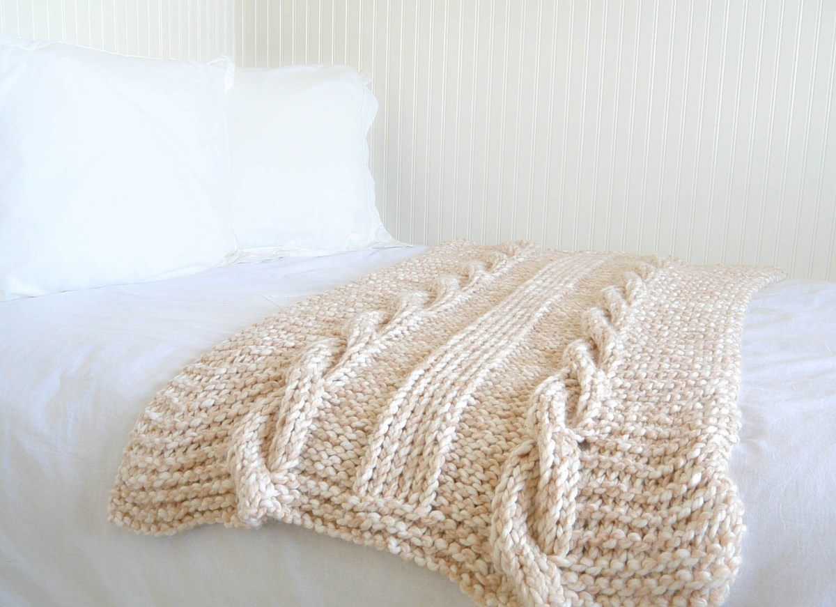 Quick And Easy Knitted Afghan Patterns : Endless Cables Chunky Knit Throw Pattern
