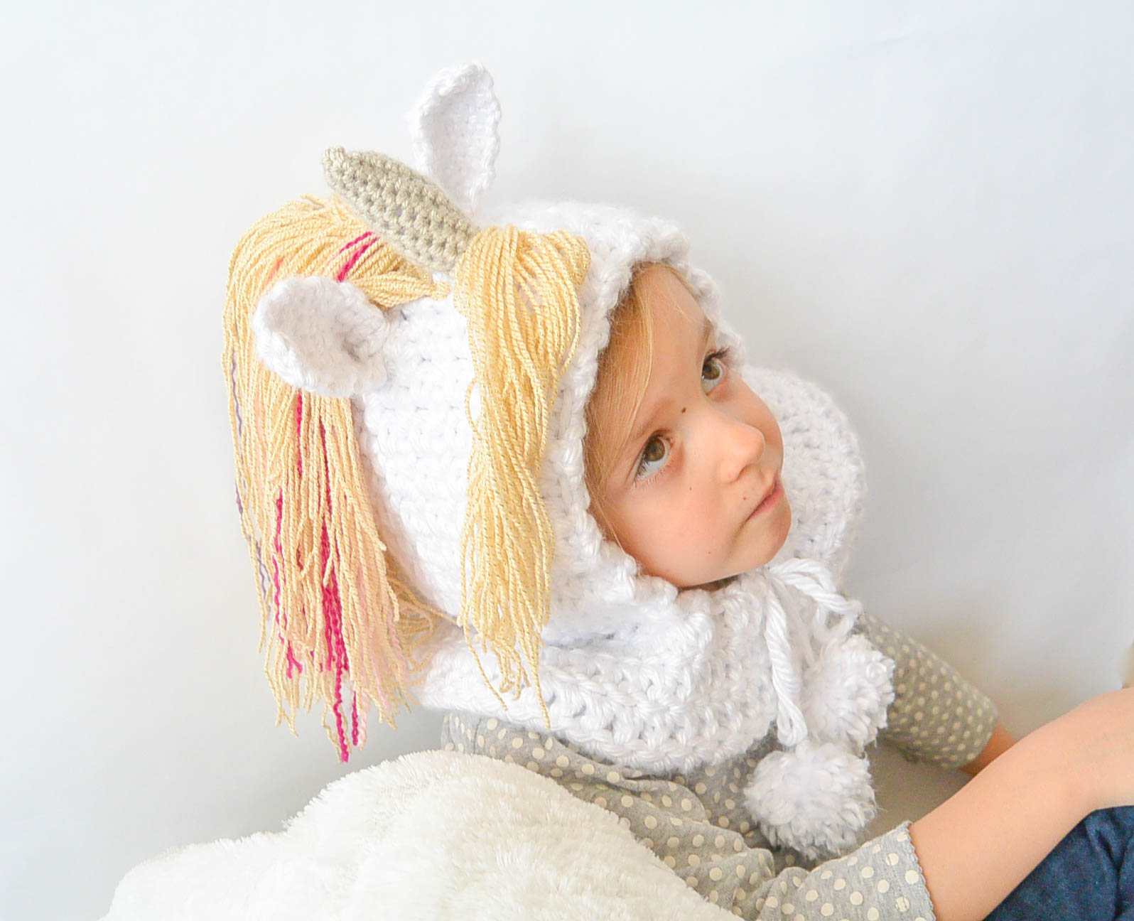 Crochet Unicorn Hooded Scarf Pattern : Crochet Unicorn Hat
