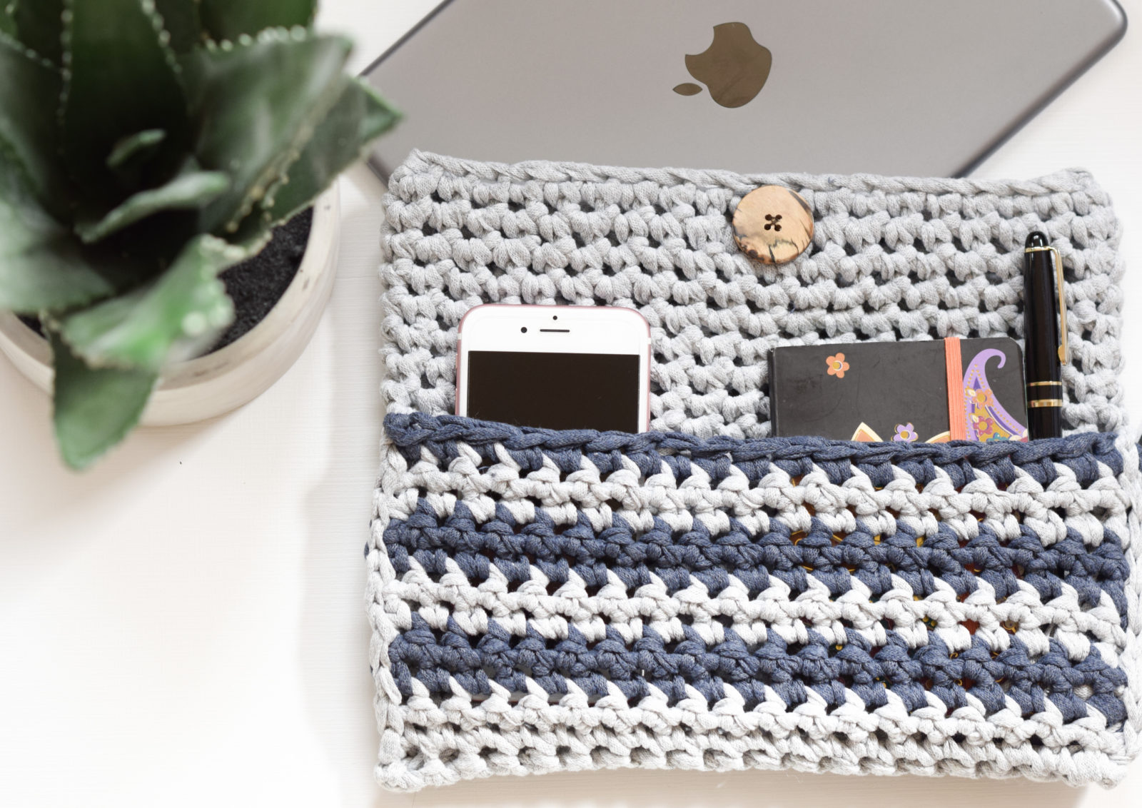 How To Crochet An I Pad Case Mama In A Stitch