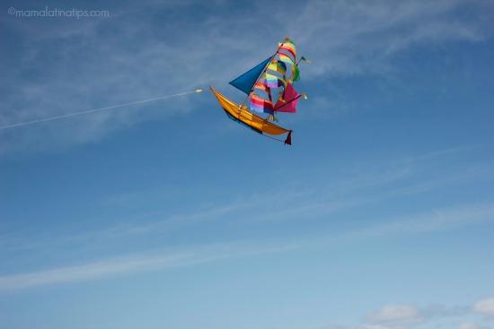 Boat Kite - mamalatinatips.com