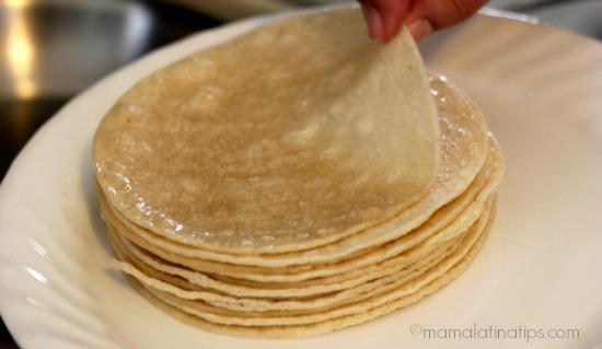 altero de tortillas pasadas por aceite para hacer tacos mineros