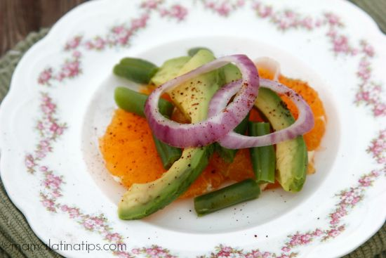 Avocado, orange, red onion and green beans salad by mamalatinatips.com