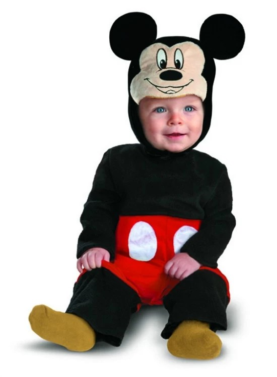 Halloween costume Mickey - mamalatinatips.com
