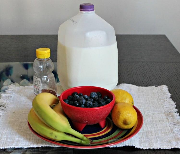 Ingredientes para el licuado de arándanos